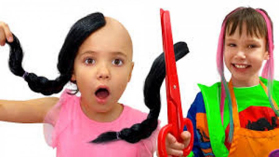 تصویر از کتی و مکس – مکس آرایشگر می شود – کتی کچل شد