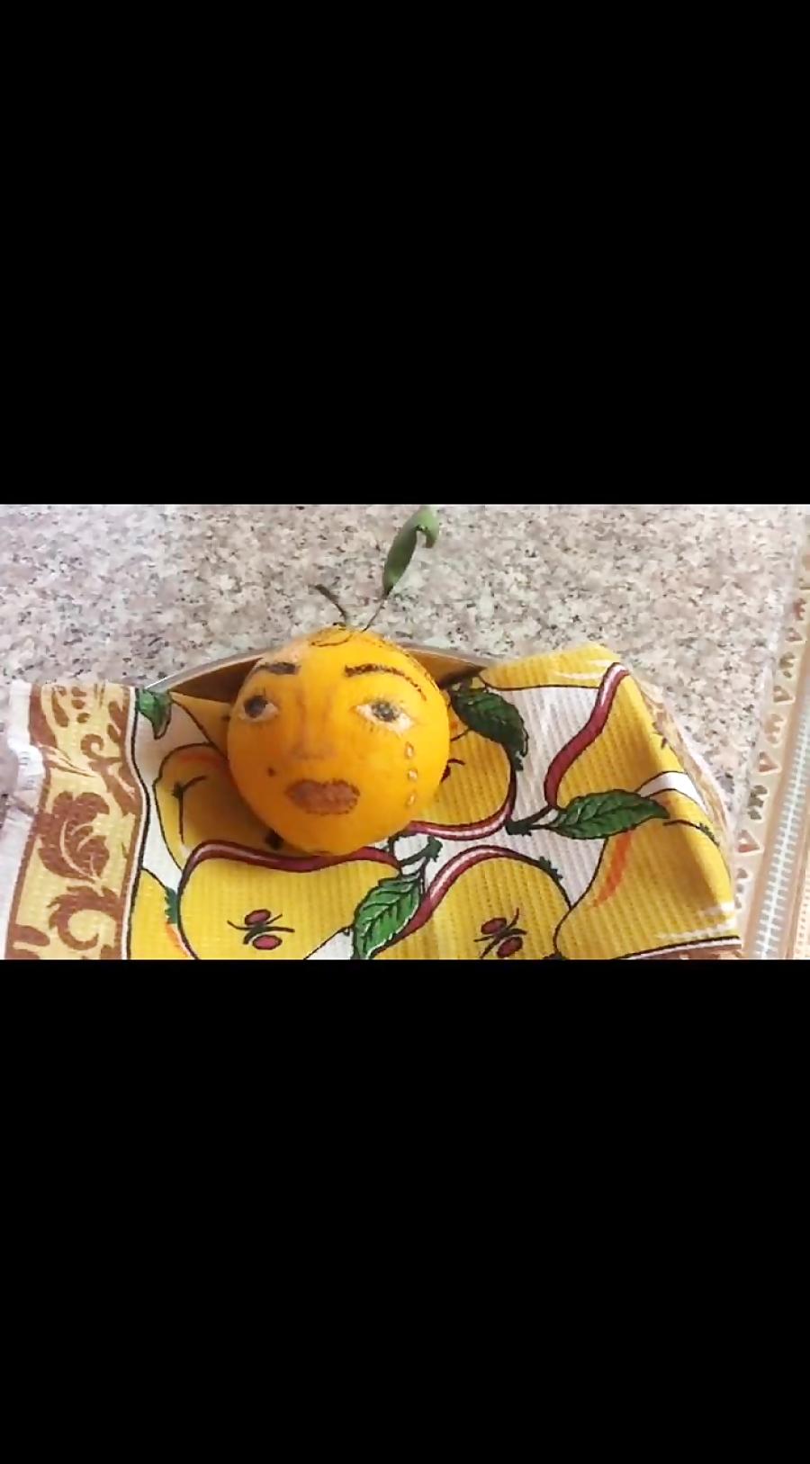 پرتقال با چشم گریان