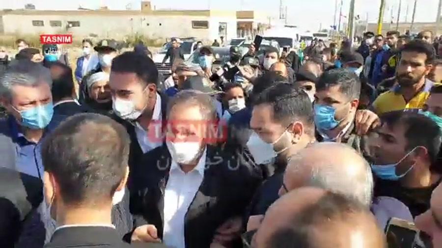 اعتراض شدید مردم بندر امام خمینی(ره) به معاون اول رئیس جمهور