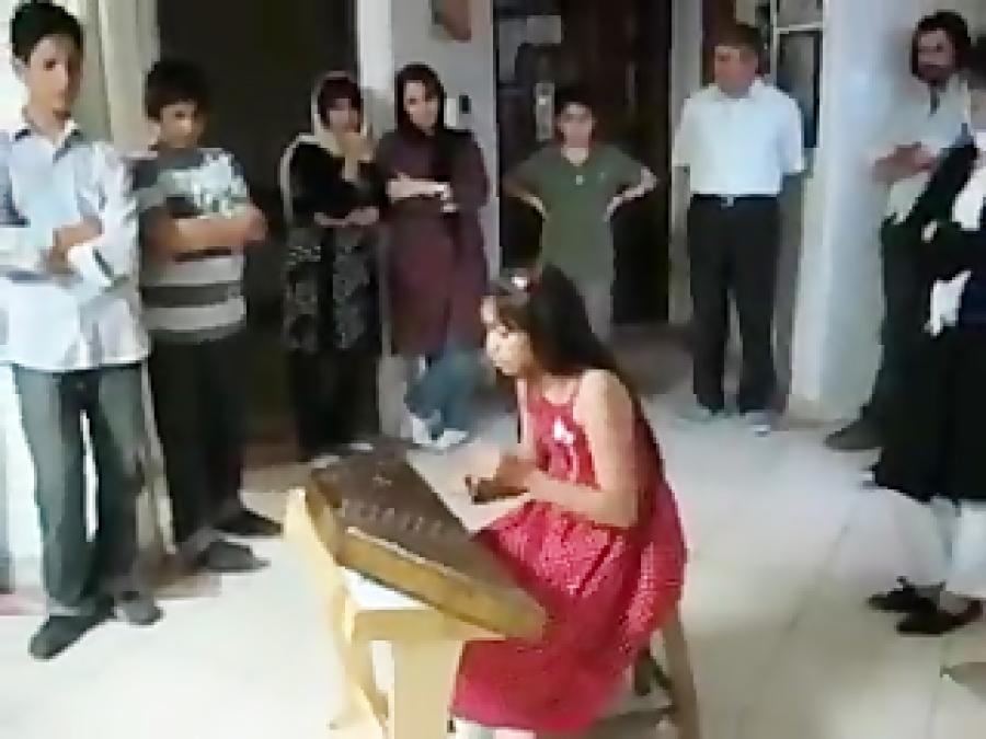فیلم اجرای هنرجوی سنتور سعید جوادی
