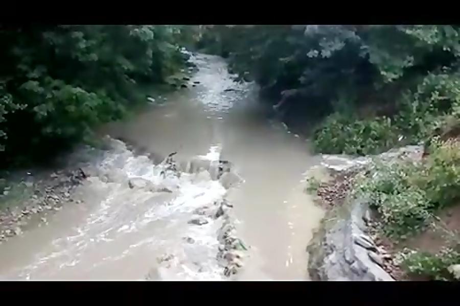 طغیان رود خانه در یک دقیقه