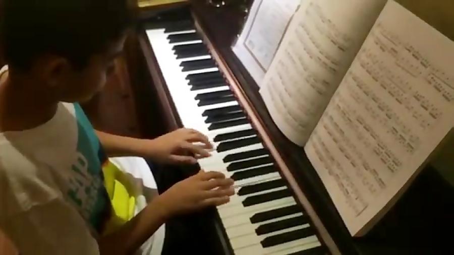 کیارش مطیعالحق انوانسیون ۸ باخ هنرجوی پیانو دورهی متوسطه امیر صنیعی