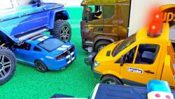 اسباب بازی کودکانه/ماشین بازی/تصادف ماشین ها/کامیون/سواری/ماشین پلیس/آمبولانس