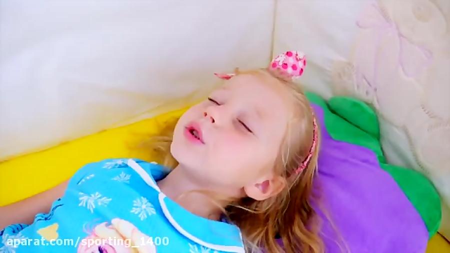 تصویر از بازی کودکانه – ناستیاشو – کودک سرگرمی تفریحی – استیسی شو