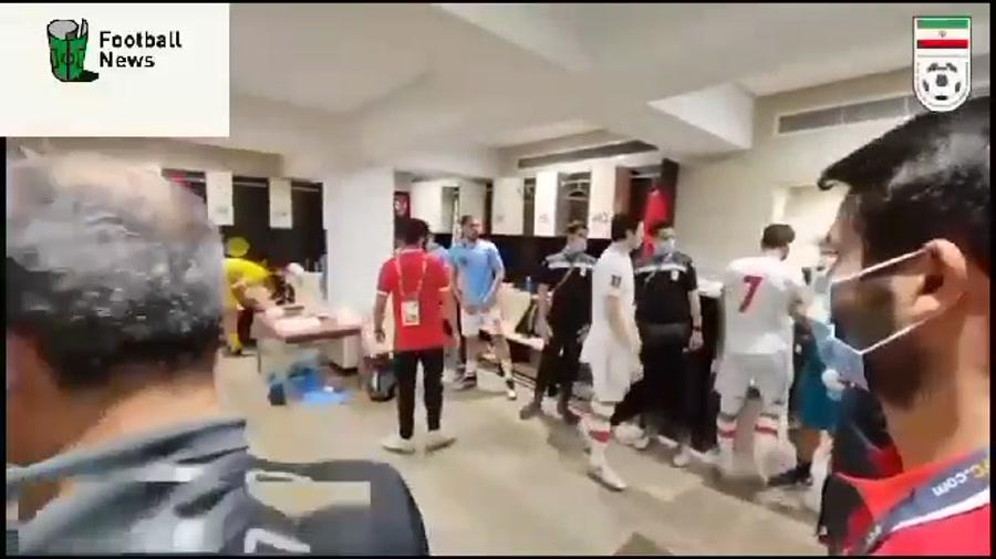 جشن وپایکوبی بازیکنان تیم ملی دررختکن بعدبردمقابل عراق