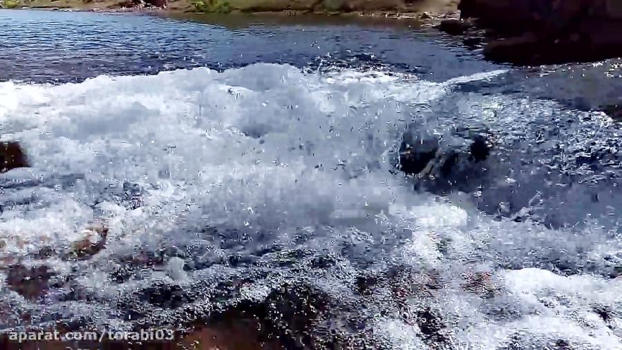 جاری شدن آب در رودخانه زاینده رود