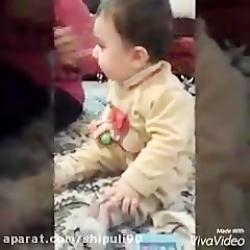 وقتی کیان واسه اولینبار نوشابه میخوره