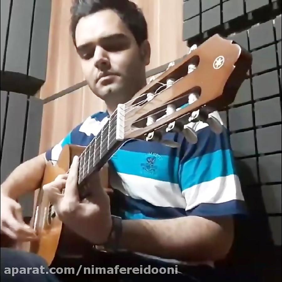 بخش سوم Entre Dos Aguas paco de lucia کاربرد تکنیک آلزاپوای فلامنکو برای نواختن همزمان ریتم و ملودی