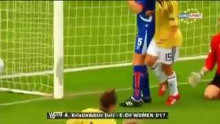 سوتی های عجیب دروازه بان در فوتبال زنان