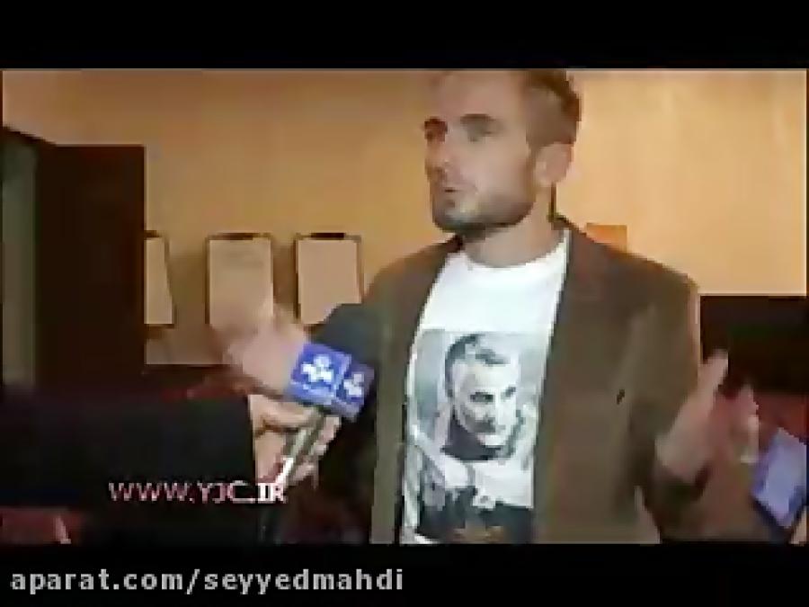 """تصویر سردار""""قاسم سلیمانی""""روی پیراهن کارشناس خارجی"""