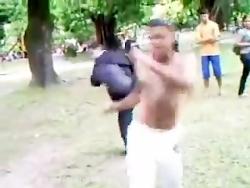 قدرت ورزش کاپوئرا را در این ویدیو ببنید