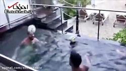 فیلم/ تمرین مسی با سوارز در استخر