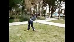 حرکت حرفه ای دختر با توپ فوتبال