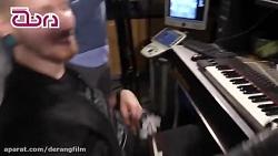 پیانونوازی نوازنده بدو...