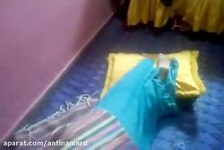 مراسم عجیب و مخوف اجنه گیری از دختر جوان جن زده عرب