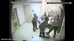 برهنه کردن یک زن توسط افسران مرد آمریکایی دربازداشتگاه