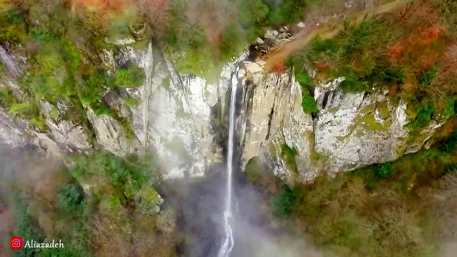 تصویر هوایی از آبشار لاتون