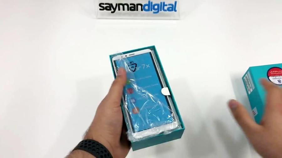 آنباکس Huawei Honor 7X