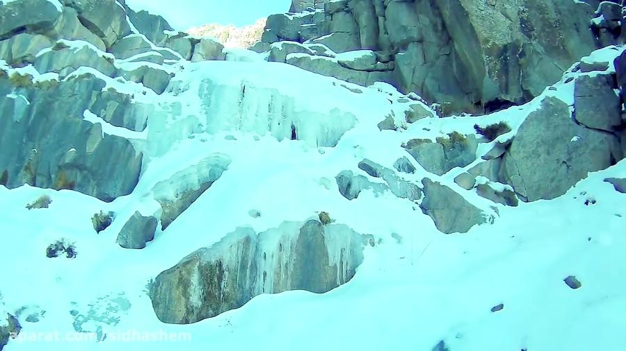 آبشار یخی دامنه طزرجان