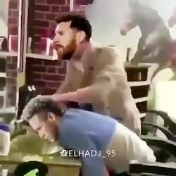 نیمار از مسی کتک میخورد!!کاملا جدی! چرا از بارسلونا رفتی؟؟؟؟