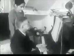 سارتر و نواختن موسیقی پ...