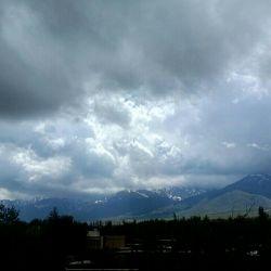 یک روز ابری یه هویی