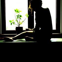 """به """"سلام """"ها دل نمی بندم ... از """"خداحافظی"""" ها غمگین نمی شوم...دیگر عادت کرده ام به دوری و دوستی ماه و خورشید..."""