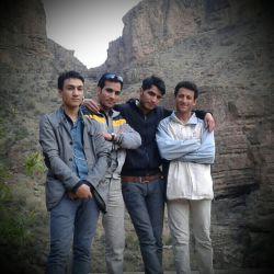من و دوستای عزیزم در دامان طبیعت ( اعضای گروه چکاوک پارسیان)