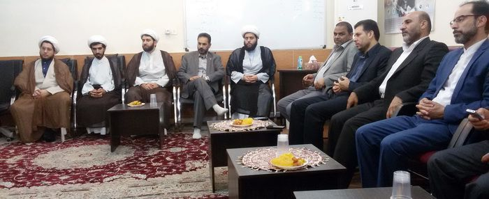 نشست صمیمی اعضای ستاد طرح معراج با رؤسای نواحی آموزشوپرورش اهواز و معاون پرورشی آموزشوپرورش استان خوزستان