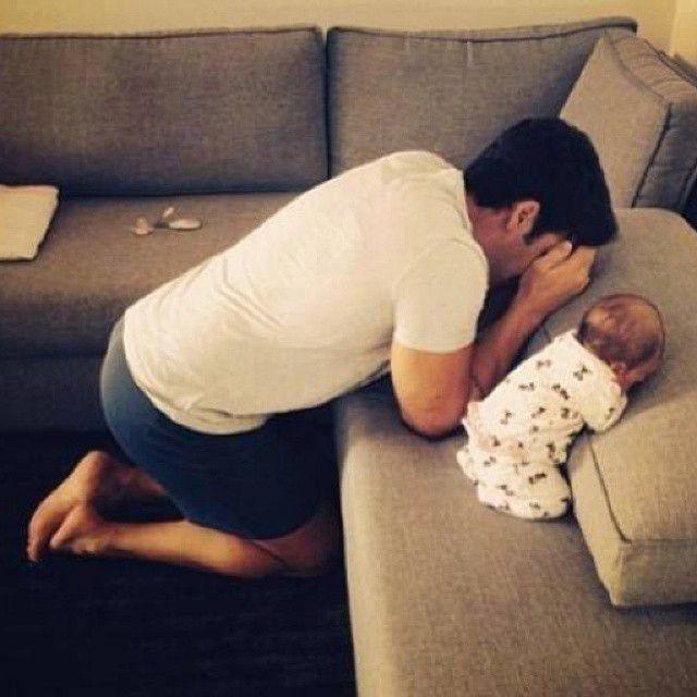 عشق یعنی اینکه منو و آق پسرم چش بزاریم تا خانومه خونه بره قایم شه♥