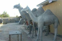 ساخت مجسمه ی شتر
