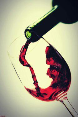 چرا شراب ننوشیم؟...پاسخ این سوال این بار از دیدگاه بصیرانه امیر المؤمنین علی علیه السلام...مطلب در کامنت اول