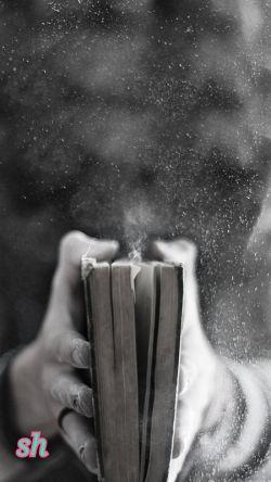 """نمیدانم کدام را راضی کنم   """"دل"""" ی که میخواهد عاشق باشد ... یا """" عقل"""" ی که میخواهد عاقل باشد ...  من، لای کتاب زندگی مانده ام؛ لای فصلی بدخط و تلخ بنام """" تحمل"""" ....."""