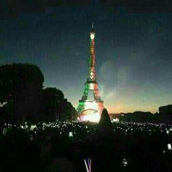 دولت فرانسه به  مناسبت نتیجه مثبت توافق گروه5+1 با ایران و لغو تحریمها دیشب به افتخار ایران زمین به مدت دو ساعت برج ایفل را به سه رنگ زیبای سبز سفید و قرمز مزین و نورافشانی کرد