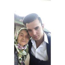 من و مادربزرگ خدا بیامرزتت رفتی و ما را گذاشتی با کلی خاطره ..........