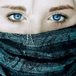 چشمانت را به روی من باز بدار چون با نگاه تو زنده ام.......
