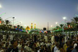 چیست دلچسب ترین عیدی این شهر الله / یک سحر وقت اذان صحن اباعبدالله ... ( حدود دو ساعت پیش از نماز عید فطر )