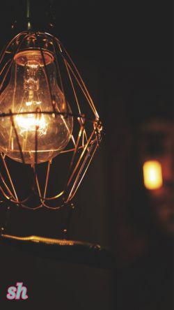 روزگار همیشه بر یک قرار نمی ماند روز و شب دارد ، روشنی دارد ، تاریکی دارد ، کم دارد ، بیش دارد ، دیگر چیزی از زمستان باقی نمانده  تمام می شود بهار می آید ...