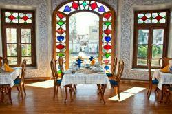 رستوران عمارت شاپوری شیراز