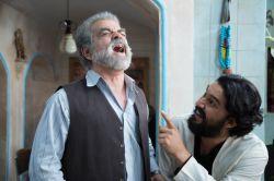 حامد بهداد و مهدی فخیمزاده در نمایی از سریال «دندون طلا» اثر داوود میرباقری