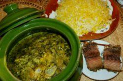 غذای محلی گیلان:باقالی قاتوق با ماهی شور و برنج محلی