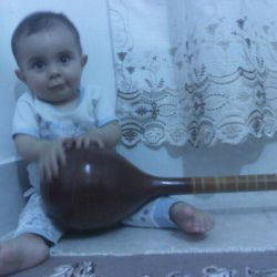 استاد شکوهی نوازنده سه تار عرض ارادت به همه دوستان لنزوری دارن rooieen48@gmail.com