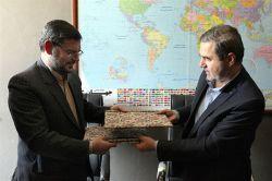 مراسم امضائ تفاهم نامه همکاری میان معاونت صنایع دستی با سازمان زندان ها - 11 تیر 94