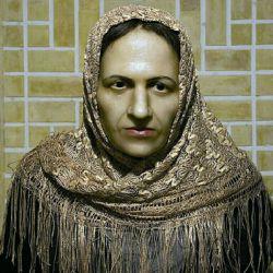 زینت الملک قوامی دختر حبیب الله خان که زنی مومن و خیر بوده است.