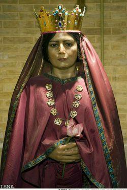 آتوسا ؛ دختر کورش بزرگ -ابتدا همسر کمبوجیه بعد بردیا و سپس زن داریوش اول شد