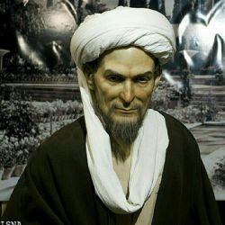 سعدی شیرازی شاعر قرن هفتم که غزل عاشقانه او به والاترین حد لطافت رسیده است.روحش شاد