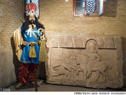 شاپور ساسانی- پسر اردشیر دومین پادشاه ساسانی که پس از او به سلطنت رسید.ممنون از لایکهاتون.ان شاالله تشریف بیارید و سایر آثار رو ازنزدیک ببینید