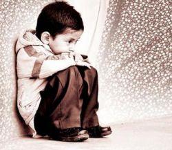 هربار که فال گرفتم غم مخور آمد ولی///این امید واهی حافظ مرا بیچاره کرد