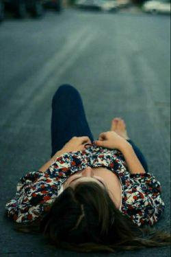 ای دل . . . .  دلتنگی امشبت را زدی به پای غروب جمعه ،  فردا را چه میکنی . . .؟؟؟!!!