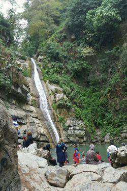 آبشار زیبای شیرآباد